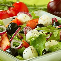 MOZZARELLA & BLACK OLIVE SALAD