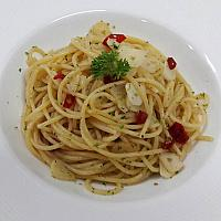 Spaghetti Aglio & Olio (Code 22)