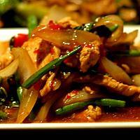 stir-fried pork or chicken and basil/ ผัดกระเพราไก่
