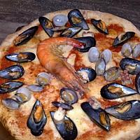 Pizza seafood