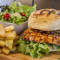 PERI PERI CHICKEN BURGER