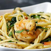 SPAGHETTI SHRIMP IN WHITE WINE SAUCE