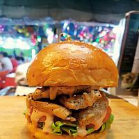 Phat chook burger