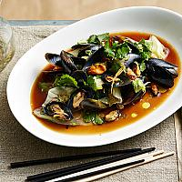 Stir Fried Green Mussels With Oyster Sauce