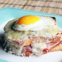 Croque madame tuna