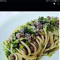 Spaghetti broccoli e guanciale