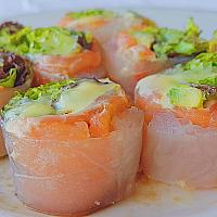 Fresh Salmon Spring Roll