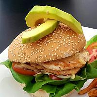 Chicken & avaocado burger