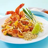 Fried Noodle Thai Style with Shrimp (ผัดไทยกุ้งสด)