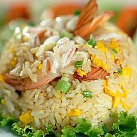 Fried rice with Chicken/pork /beefor shrimp (ข้าวผัดไ่ก่ หรือ หมูหรือเนื้อหรือกุ้ง)