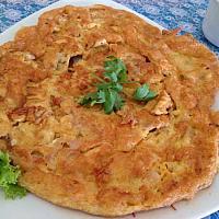 Thai omelet style with mince pork (ไข่เจียวหมูสับ)
