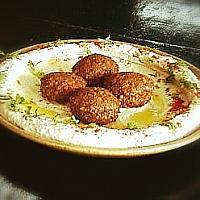 Hummus + falafel