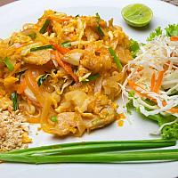 PAD THAI chicken or shrimps