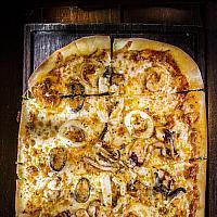 Gold Coast Catch Pizza