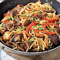 Chow Mein noodles with pork