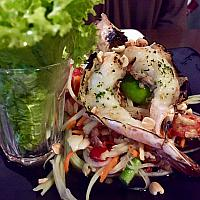 Som Tam (Spicy Green Papaya Salad + Grilled Prawn) - обжаренный рис - 青木瓜沙拉