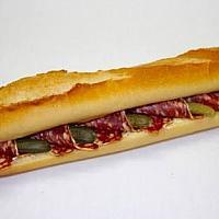 Sandwich baguette saucisson /cornichons