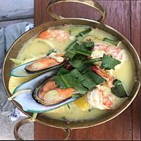 Fisherman Style Soup + Seafood & Pineapple - Кокосовый суп с морепродуктами - 椰奶海鲜汤