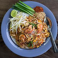 Pad thai prawns
