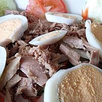 Mix salad tuna & egg