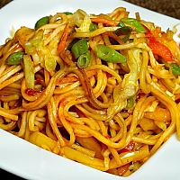 Yellow noodles prawns