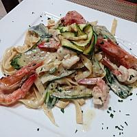 tagliatelle gamberi e zuccihinii,shrimp zucchini