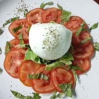 insalata caprese tomato mozzarella