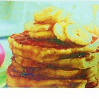 Banana pancake with honey