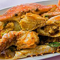 Stir fried crab with yellow curry