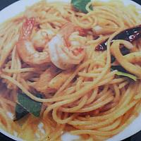 stir fried spaghetti spicy herbs seafood