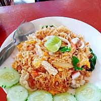 Khao pad moo/kai/mookrob