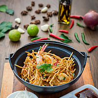 Prawn Curry with Crispy Noodles - Bestseller!!!