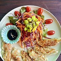 Dumpling salad