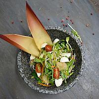 Raw jungle salad