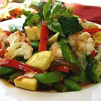 102 Stir fried mixed vegetables with oyster sauce (ผัดผักน้ำมันหอย)