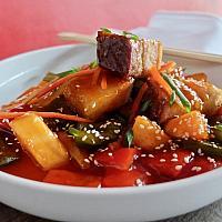 32 Sweet & Sour Hong Kong Style with Crispy Pork  (ผัดเปรี้ยวหวานหมูทอดกรอบ)