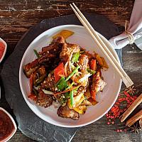85 Pork Ribs with Kung Pao Sauce  (ซี่โครงหมูผัดเม็ดมะม่วงหิมพานต์)
