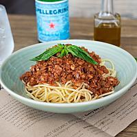 Vegan spaghetti bolognese with omnipork