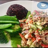 Tuna spicy salad with brown rice