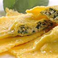Ravioli with Spinach, Ricotta & Sage Butter (v)