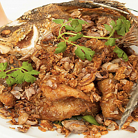 Crispy Garlic and Pepper Fish