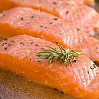Salmon with black pepper( salted) /100gr