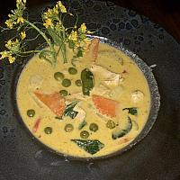 Green Curry Chicken with steam rice