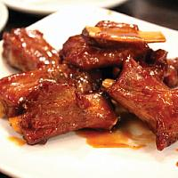 Pork ribs with tamarind sauce. With steam rice.