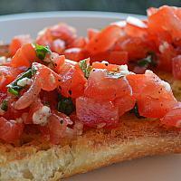 Bruschetta with freshly chopped tomatoes
