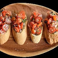 Tomato & Pesto Crostini