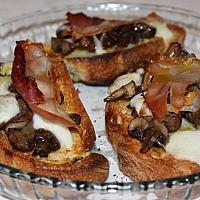 Bruschetta ham & mushrooms