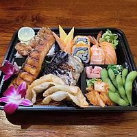 Deluxe Lunch Box