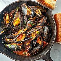 Mussels Tomato Sauce  หอยแมลงภู่กับซอสมะเขือเทศ