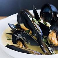 Mussels Blue Cheese หอยแมลงภู่กับบลูชีส